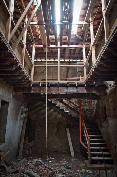 Casa Quintero:  de estilo  por Paolini Arquitectos