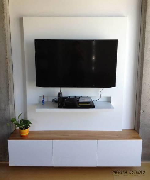 Mesas y muebles de tv by paprika estudio homify for Muebles de estudio modernos