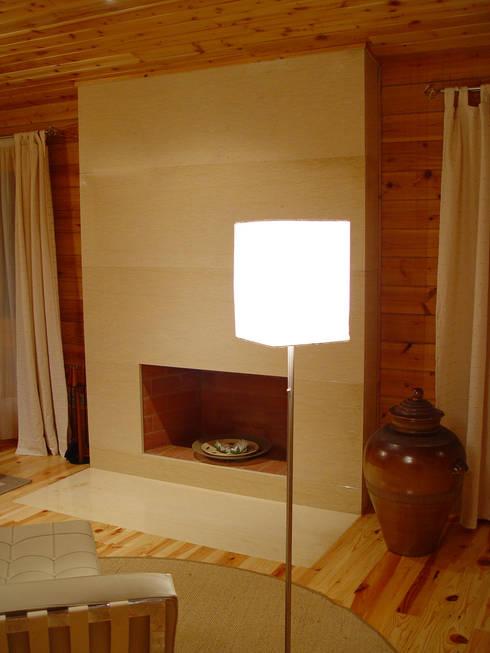 Projekty,  Salon zaprojektowane przez MIGUEL VISEU COELHO ARQUITECTOS ASSOCIADOS LDA