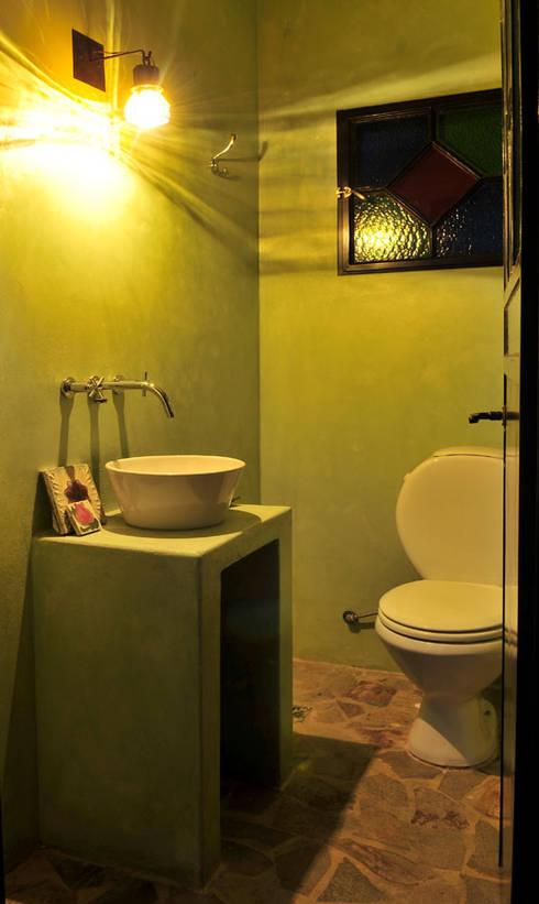Encuentro: Baños de estilo  por Estudio Moron Saad