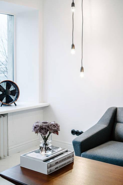 Design meets Vintage - Wohnzimmer im Retro-Look: skandinavische Wohnzimmer von Baltic Design Shop