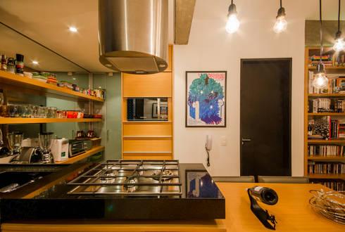 Apartamento Leopoldo: Cozinhas modernas por Sacada