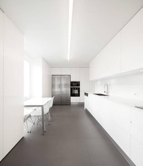 moderne Keuken door OW ARQUITECTOS lda | simplicity works
