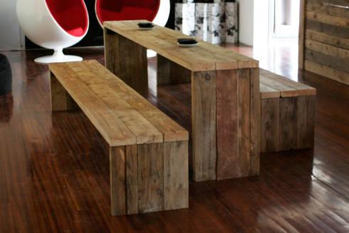 mesa y bancos de madera rustica