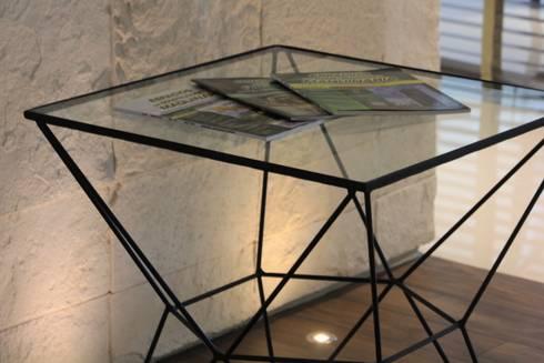 El objeto moderno: Estudios y oficinas de estilo moderno por LC Arquitectura