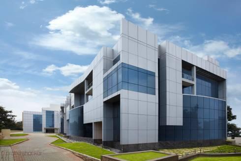 Commercial: modern Houses by Prabu Shankar Photography
