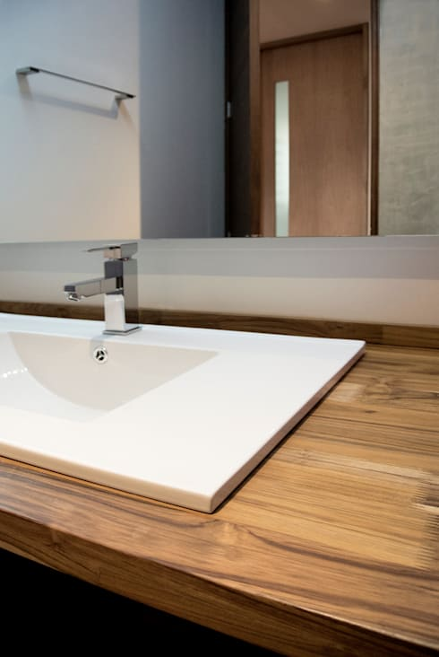 Baño Social: Baños de estilo moderno por KDF Arquitectura
