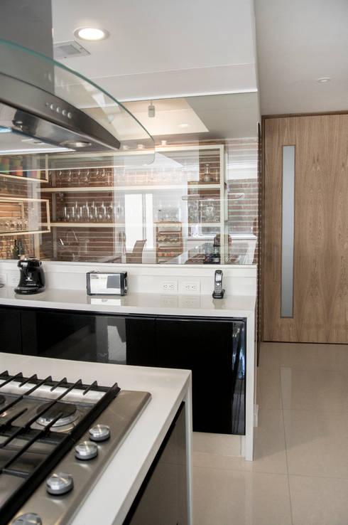 Cocina: Cocinas de estilo moderno por KDF Arquitectura