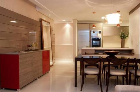 Apartamento decorado Grand Classic:   por Tatiana Junkes Arquitetura e Luminotécnica