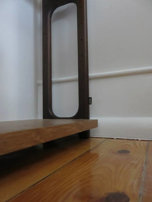Estante: Sala de estar  por Pau - Into the wood