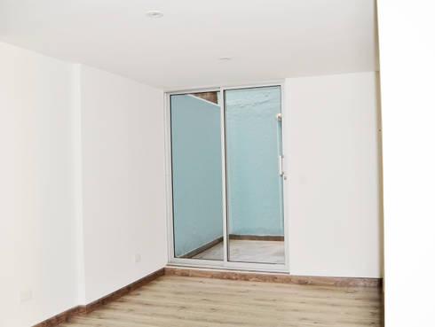 APARTAMENTO 62: Estudios y despachos de estilo ecléctico por santiago dussan architecture & Interior design