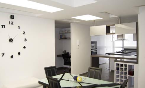 APARTAMENTO NOVARK: Comedores de estilo moderno por santiago dussan architecture & Interior design