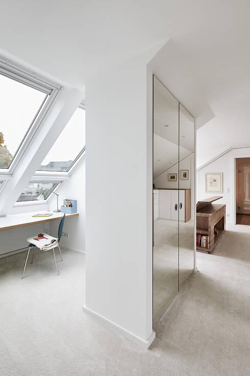 Dormitorios de estilo moderno de Philip Kistner Fotografie
