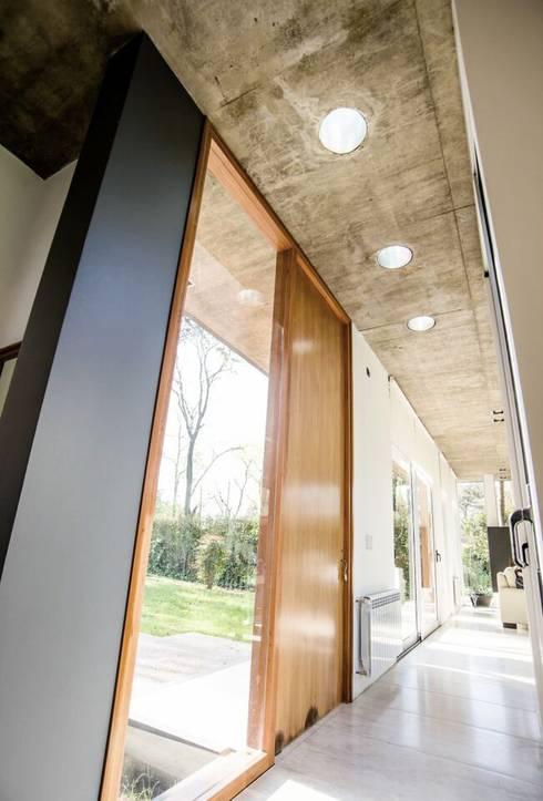 Casa AP: Casas de estilo  por Felipe Gonzalez Arzac