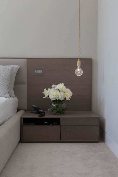 KSR Architects | Hampstead Village Home | Bedside table: modern Bedroom by KSR Architects