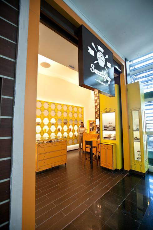 Sweet Joy Brigaderia: Lojas e imóveis comerciais  por iS arquitetura