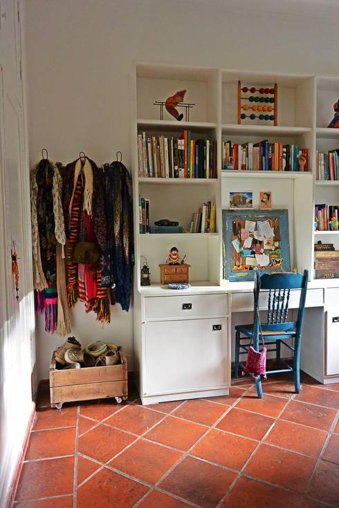 Remodelación de dormitorio: Dormitorios de estilo  por Estudio 17.30