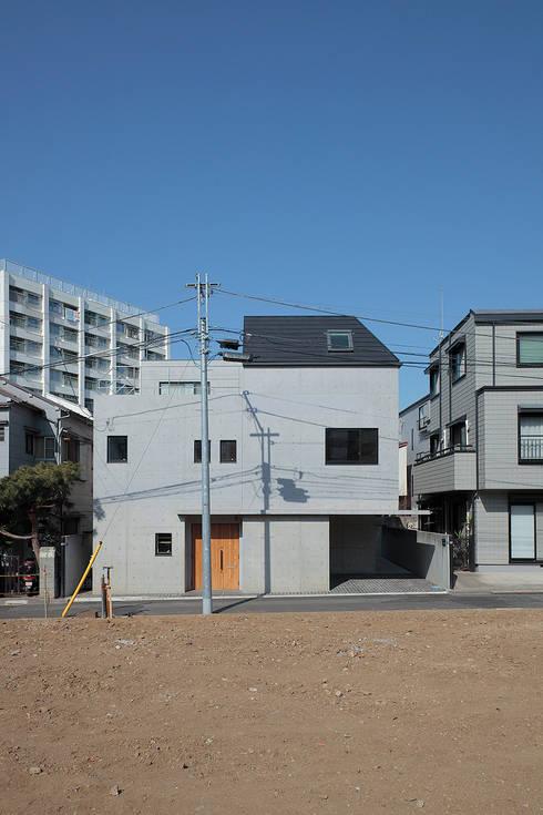 中庭のある家: こぢこぢ一級建築士事務所が手掛けたです。
