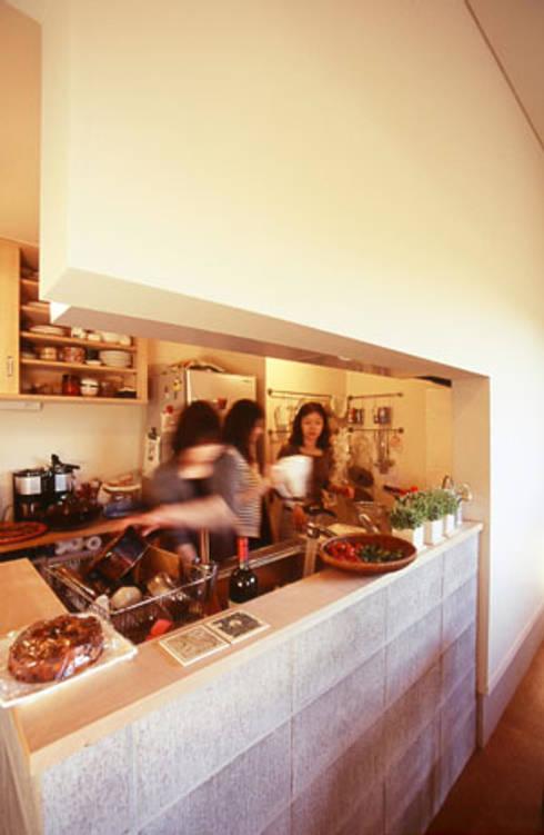 イロイロのイエ: 一級建築士事務所あとりえが手掛けたキッチンです。