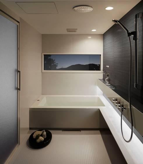 生活感を出さないシステムバスルーム「ORIZZONTE/オリゾンテ」 OZ1620BW: 株式会社 和光製作所が手掛けた洗面所&風呂&トイレです。