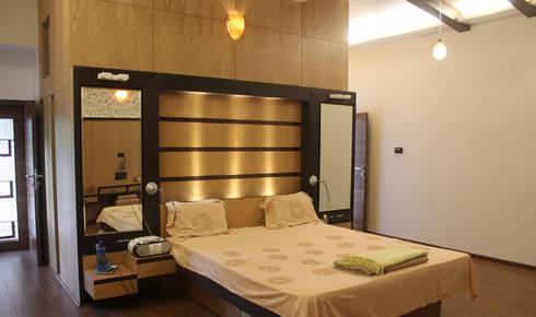 Kulkarni Bunglow Interior: modern Bedroom by Prashanth Deshmukh & Associates