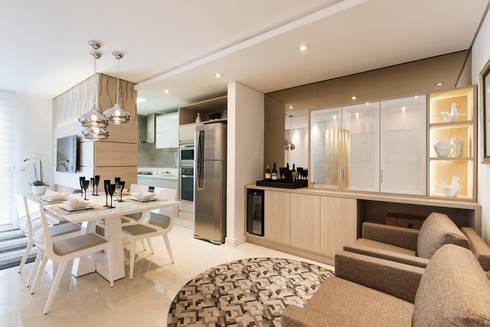 ÁREA SOCIAL - HOME , JANTAR E ESTAR INTIMO: Salas de estar modernas por TRÍADE ARQUITETURA