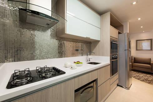 COZINHA: Cozinhas modernas por TRÍADE ARQUITETURA