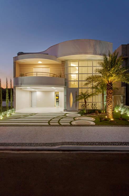 Houses by Arquiteto Aquiles Nícolas Kílaris