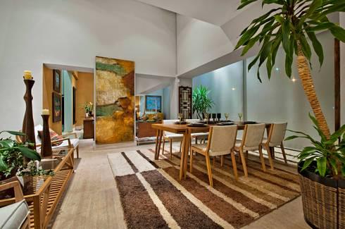 Sala de Jantar: Casa  por Livia Martins Arquitetura e Interiores