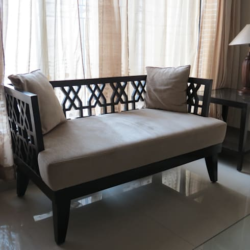 Resident in Mulund : minimalistic Living room by TWISHA THAKKER