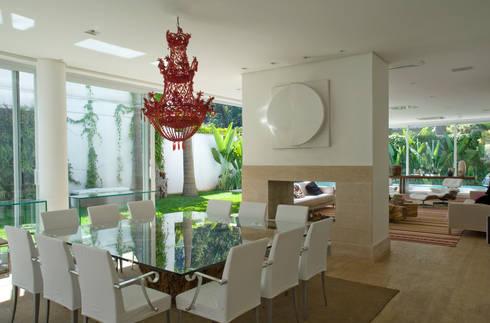Margarida Galvão: Salas de jantar modernas por Rauldipace