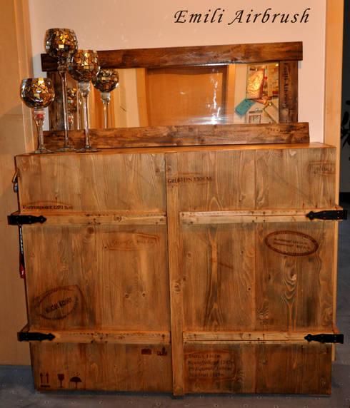 Vintage look schuhschrank von emili airbrush homify for Schuhschrank treppenhaus