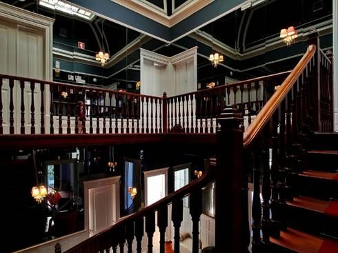 Torel palace LX: Escadas  por isabel Sá Nogueira Design