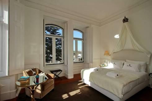 Torel palace LX: Quartos ecléticos por isabel Sá Nogueira Design