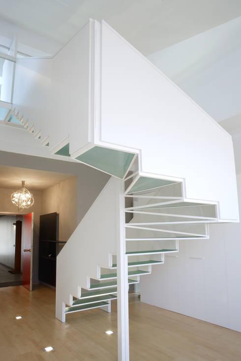 Ingresso & Corridoio in stile  di jordivayreda projectteam