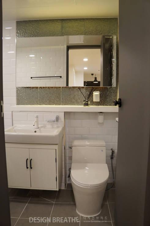32평 초원대림아파트 리모델링 : 디자인브리드의  욕실