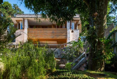 Casa Horto OBM 79: Casas tropicais por Maria Claudia Faro
