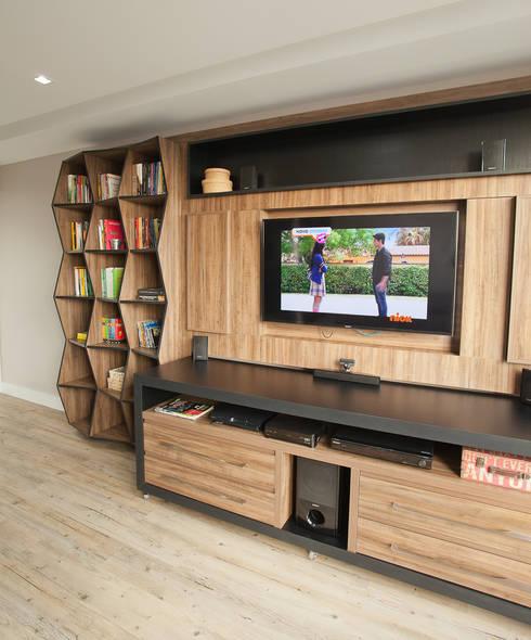 Apartamento MBK: Salas multimídia modernas por Super StudioB
