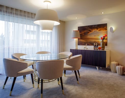 Residence Flat |  Boavista Palace | 2015: Salas de jantar modernas por Susana Camelo