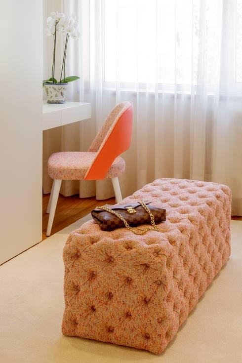 Residence Flat |  Boavista Palace | 2015: Closets modernos por Susana Camelo