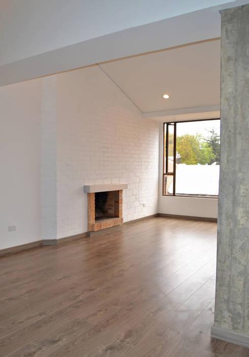 APARTAMENTO 104: Salas de estilo minimalista por santiago dussan architecture & Interior design