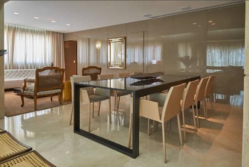 Apartamento AC: Salas de jantar modernas por Gláucia Britto
