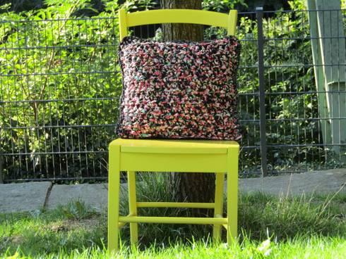 handgefertigte kissen aus recyceltem textilgarn von kladderadatsch online home homify. Black Bedroom Furniture Sets. Home Design Ideas