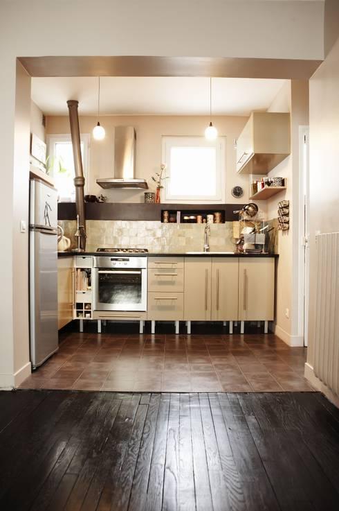 cuisine ikea/zellige/carreaux de ciment: Cuisine de style  par Agence KP