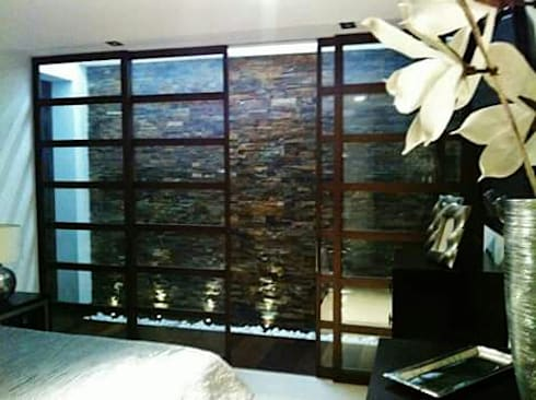 Pasarela al baño y vestidor: Dormitorios de estilo clásico de IC & AIR ·Arquitectura ·Interiorismo ·Reformas