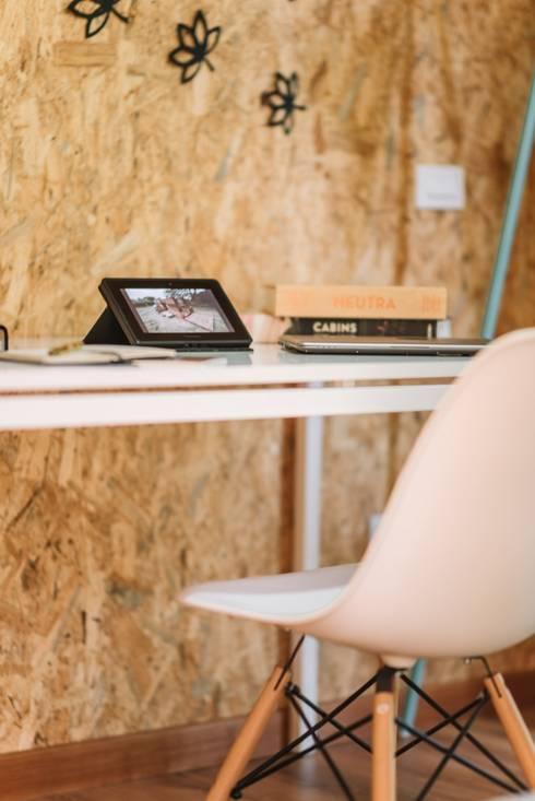 VIMOB: Estudios y despachos de estilo  por COLECTIVO CREATIVO