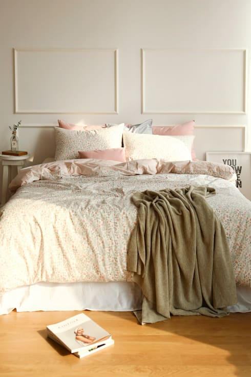 Bedding set (cotton) 01 Botanic garden: (주)이투컬렉션의  침실