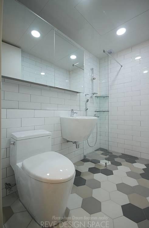 Ванные комнаты в . Автор – 디자인스튜디오 레브