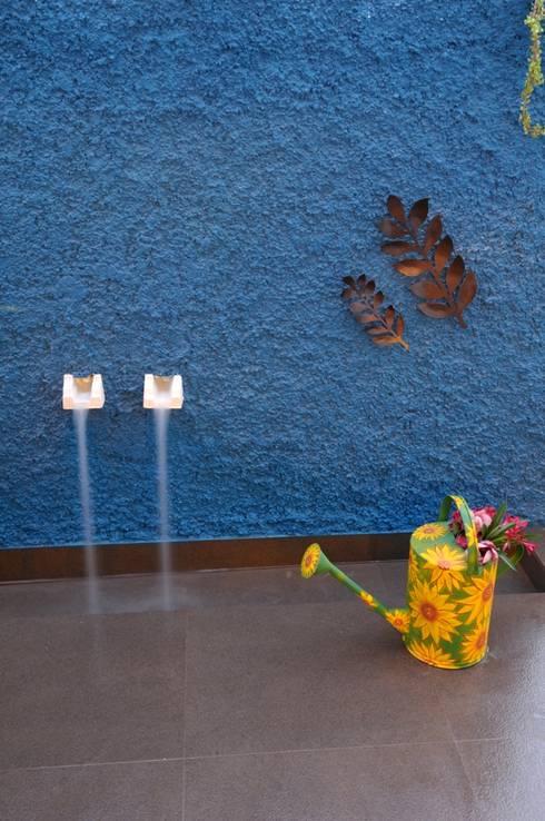 CONTEMPORARY LIVING:  Walls by Archana Shah & Associates