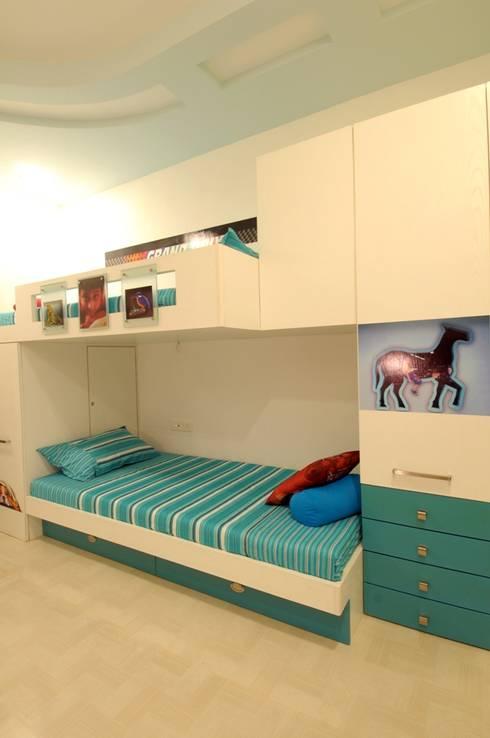 CONTEMPORARY LIVING:  Nursery/kid's room by Archana Shah & Associates
